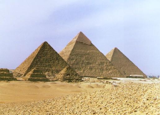 3.埃及金字塔:骑骆驼,探索神秘的金字塔